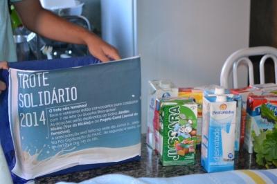 42 litros foram distribuídos entre quatro famílias do Jardim Nicéia. Foto: Caroline Braga/VozdoNicéia