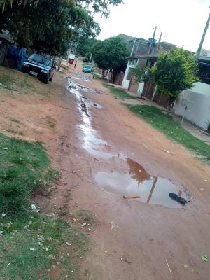 Poças demonstram o grande volume de água perdido. Foto: Patrícia Konda/VozdoNicéia