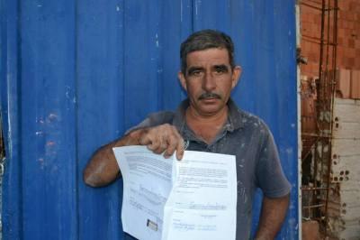 Cópia do processo de usucapião iniciado em 2006 por Seu Adalton e outras 42 famílias. Foto: Lígia Morais/VozdoNicéia